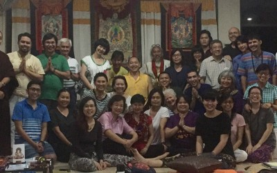 Rinpoche teaching in Philippines